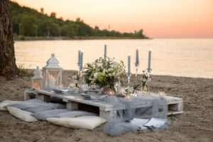 outdoor-beach-casual-bridal-shower-setting-min