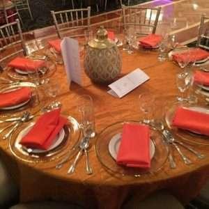 conca-dora-wedding-gold-orange-tablesetting