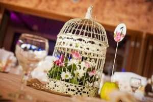 cream-birdcage-centrepiece