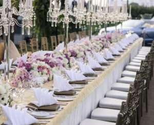 outdoor-reeception-crystal-candelabra-wedding-table