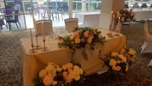 monash-country-club-wedding-reception-sweet-heart-bridal-table-styling6-min