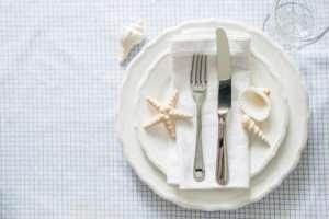 seashells-grid-tablecloth